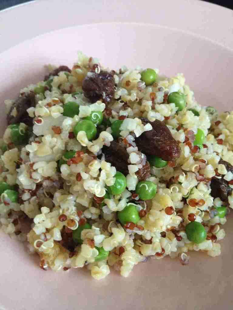 Salade quinoa boulgour petits pois et raisin sec rachel for Petit pois cuisine