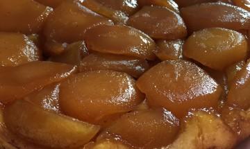 Tarte tatin aux pommes avec pâte sablée légère