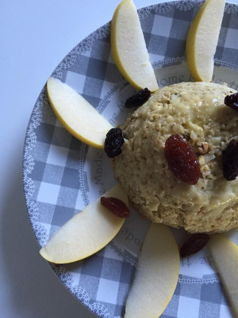 Bowl cake pomme et raisins secs