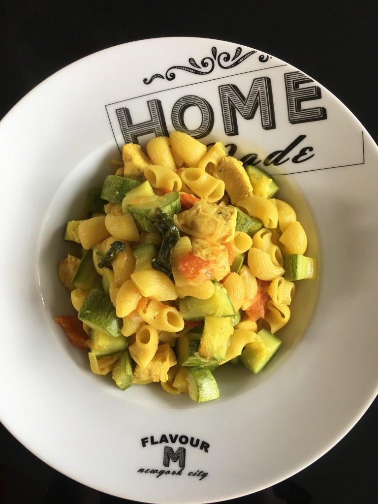 One pot pasta poulet, courgettes, curry
