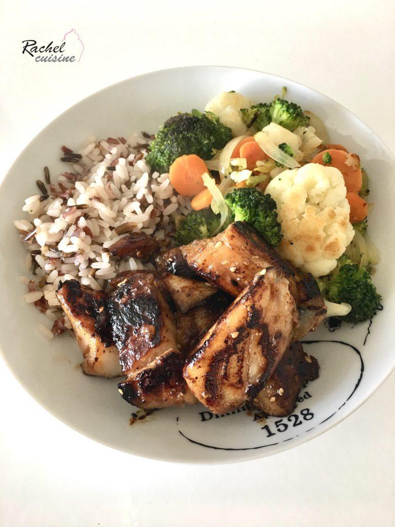 Dos de cabillaud mariné, riz sauvage et légumes