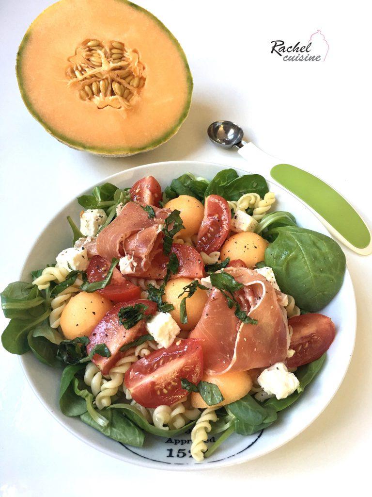 Salade de pâtes, melon et jambon cru
