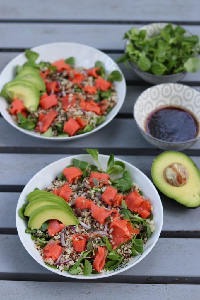 Salade thaï, saumon fumé, avocat, quinoa